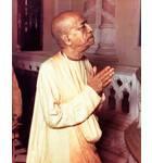 Srila Prabhupada in Vrindavan, Praying